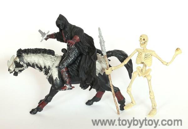 Безликий всадник и конь безликого всадника (и скелет)