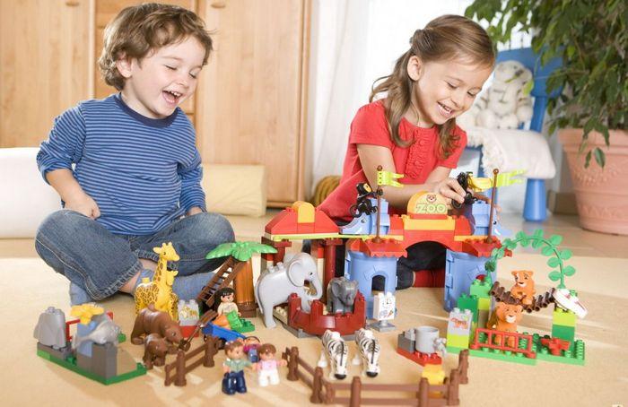 Девочкам - куклы, мальчикам - машинки. оправдано ли гендерное разделение игрушек?