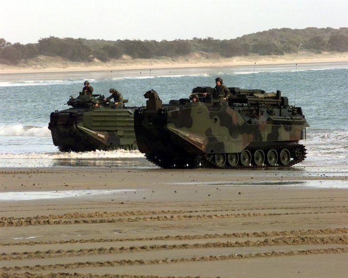 Фото обзор боевые машины мира №19. aavp7a1, танк-амфибия