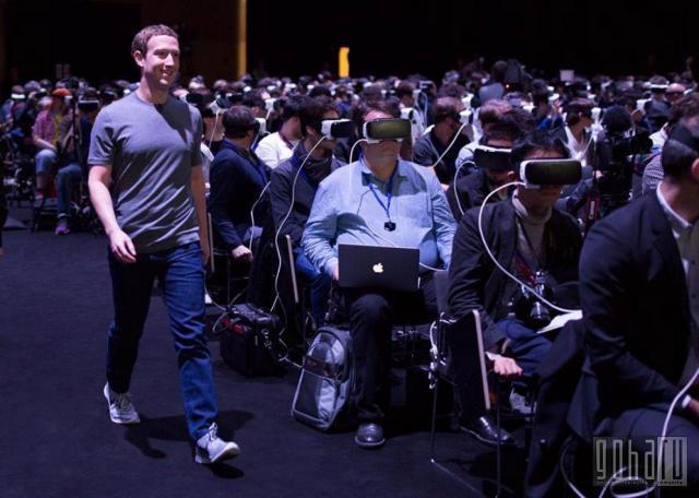 Кто из знаменитостей уже пробовал виртуальную реальность ?