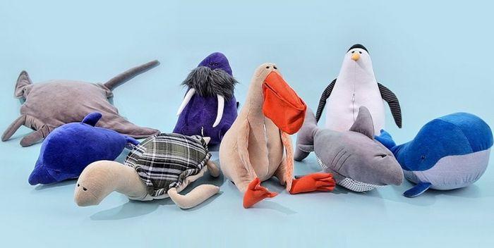 Плюшевые игрушки pollutoys в борьбе за чистоту океана