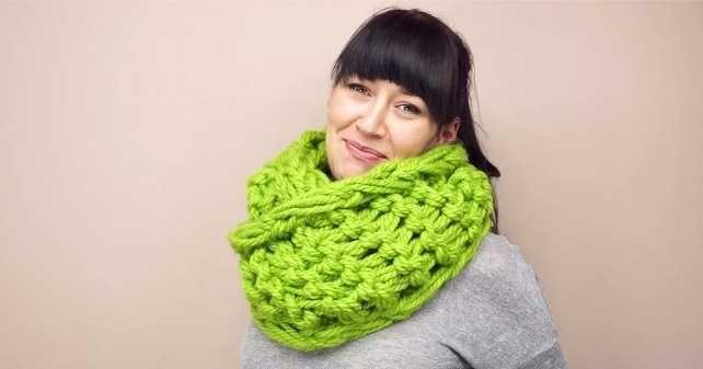 Шарф, связанный на руках, за 30 минут и другие шарфы-снуды