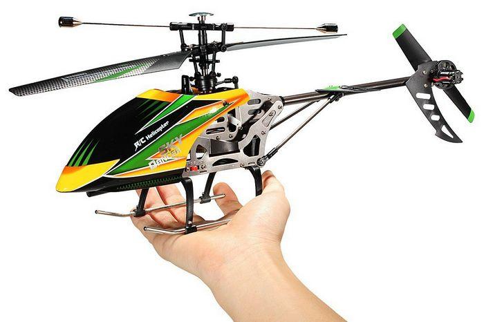 Советы по выбору машинок и вертолётов на радиоуправлении для малышей