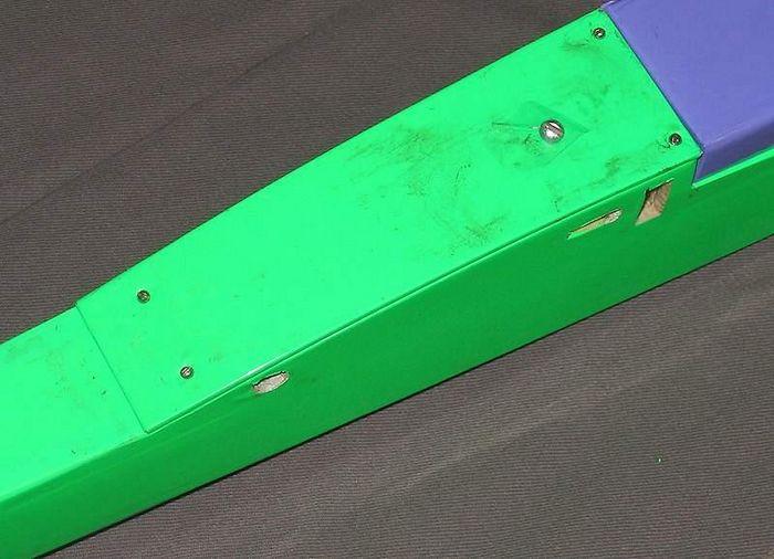 Зелёный - двухметровый планер для спокойных полетов